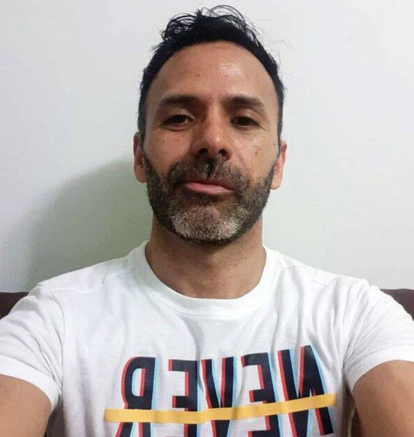 Esta imagen tiene un atributo ALT vacío; su nombre de archivo es Gustavo-Escobar.jpg